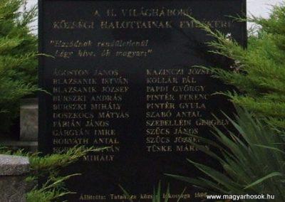 Tataháza világháborús emlékmű 2006.10.27.küldő-hegyimagnes (5)
