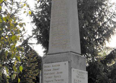 Teklafalu világháborús emlékmű 2012.08.01. küldő-KRySZ (2)