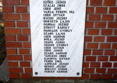 Teleki világháborús emlékmű 2011.02.05. küldő-Sümec (2)