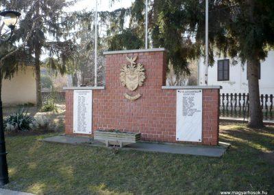 Teleki világháborús emlékmű 2011.02.05. küldő-Sümec