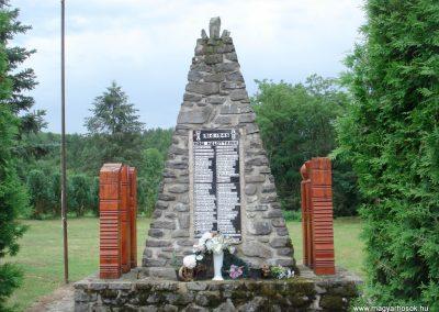 Telkibánya világháborús emlékmű 2012.07.19. küldő-megtorló (1)