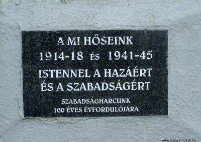 Tengelic-Szőlőhegy világháborús emlékmű 2014.02.25. küldő-Horváth Zsolt (2)