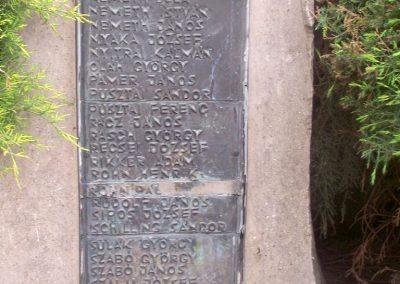 Tengelic világháborús emlékmű 2010.05.05. küldő-Horváth Zsolt (8)