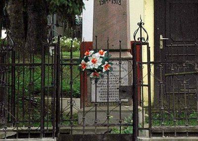 Tengeri világháborús emlékmű 2006.08.27. küldő-Dr.Lázár Gyula Levente (2)