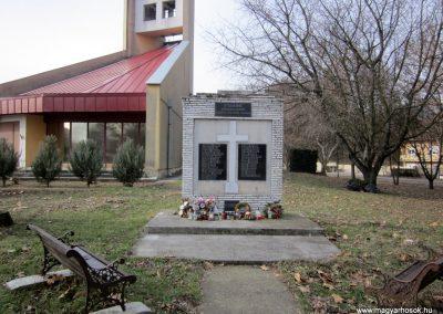 Tenk II. világháborús emlékmű 2019.02.13. küldő-kalyhas (1)