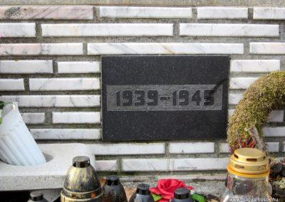 Tenk II. világháborús emlékmű 2019.02.13. küldő-kalyhas (5)
