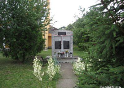 Tenk II.vh emlékmű 2007.06.13. küldő-kalyhas