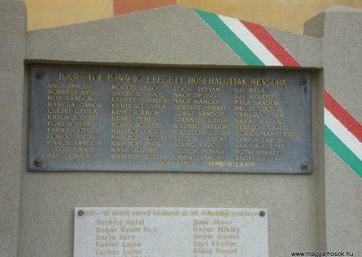 Tetétlen világháborús emlékmű 2009.05.16.küldő-Huszár Peti (1)