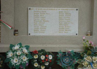Tetétlen világháborús emlékmű 2009.05.16.küldő-Huszár Peti (2)