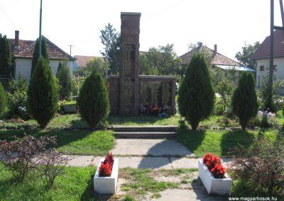 Tibolddaróc világháborús emlékmű 2007.09.24. küldő-kalyhas