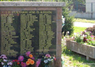 Tibolddaróc világháborús emlékmű 2007.09.24. küldő-kalyhas (5)