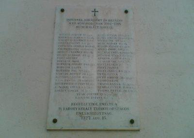 Tihany világháborús emléktáblák az Apátság falán 2007.06.24.küldő-Ágca (2)