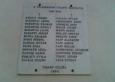 Tihany világháborús emléktáblák az Apátság falán 2007.06.24.küldő-Ágca (3)