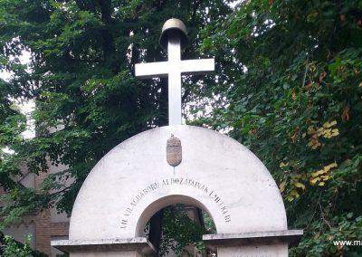 Tiszaalpár-Tiszaújfalu II. világháborús emlékmű 2016.09.17. küldő-belamiki (1)