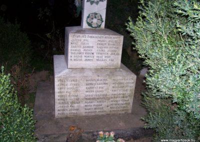 Tiszabő világháborús emlékmű 2009.04.08. küldő-miki (4)