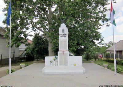 Tiszabercel világháborús emlékmű 2014.06.23. küldő-kalyhas (1)