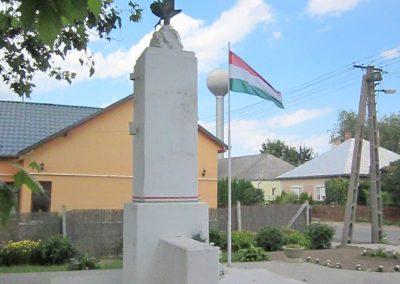 Tiszabercel világháborús emlékmű 2014.06.23. küldő-kalyhas (6)