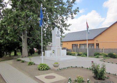 Tiszabercel világháborús emlékmű 2014.06.23. küldő-kalyhas (7)