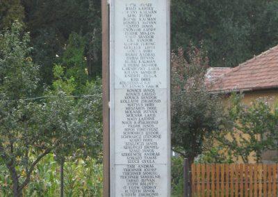 Tiszabura Hősök parkja-II.vh emlékoszlop 2008.08.21. küldő-Kályhás (3)