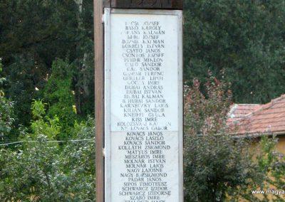 Tiszabura Hősök parkja-II.vh emlékoszlop 2008.08.21. küldő-Kályhás (4)