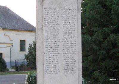 Tiszaderzs világháborús emlékmű 2008.08.21. küldő-Kályhás (4)