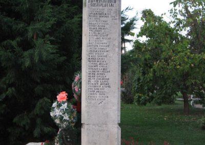 Tiszaderzs világháborús emlékmű 2008.08.21. küldő-Kályhás (5)