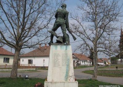 Tiszadob I.vh emlékmű 2009.04.09.küldő-kalyhas (4)