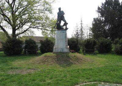 Tiszadob I.vh emlékmű 2009.04.09.küldő-kalyhas