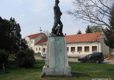 Tiszadob I.vh emlékmű 2009.04.09.küldő-kalyhas (6)