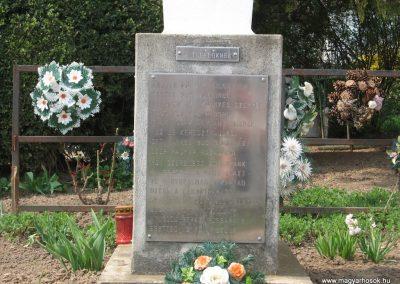Tiszadob templomkert II.vh emlékhely 2009.04.09. küldő-kalyhas (1)