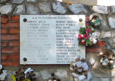Tiszadorogma világháborús emlékmű 2008.04.22. küldő-kalyhas (1)
