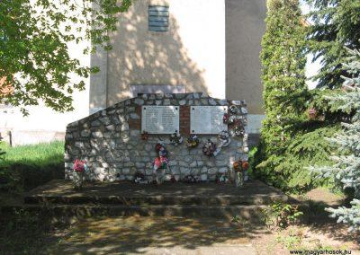 Tiszadorogma világháborús emlékmű 2008.04.22.küldő-Kályhás