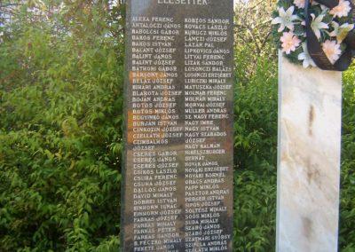 Tiszaeszlár világháborús emlékmű 2010.10.14. küldő-Mónika39 (1)