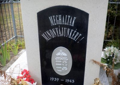 Tiszakécske-Óbög II. világháborús emlékmű 2016.08.13. küldő-belamiki (1)