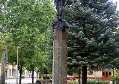 Tiszakécske II. világháborús emlékmű 2015.06.28. küldő-belamiki (11)