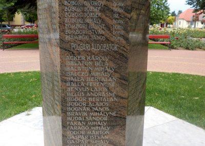 Tiszakécske II. világháborús emlékmű 2015.06.28. küldő-belamiki (14)