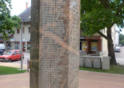 Tiszakécske II. világháborús emlékmű 2015.06.28. küldő-belamiki (18)