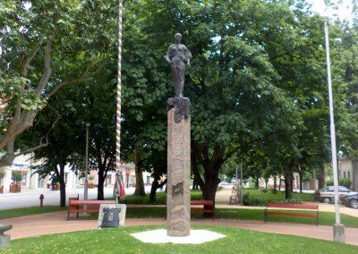 Tiszakécske II. világháborús emlékmű 2015.06.28. küldő-belamiki (20)