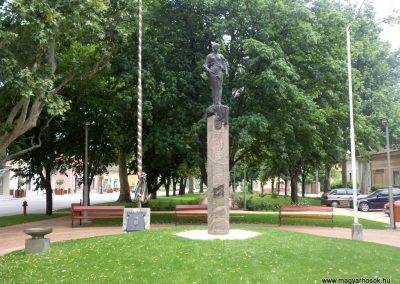 Tiszakécske II. világháborús emlékmű 2015.06.28. küldő-belamiki
