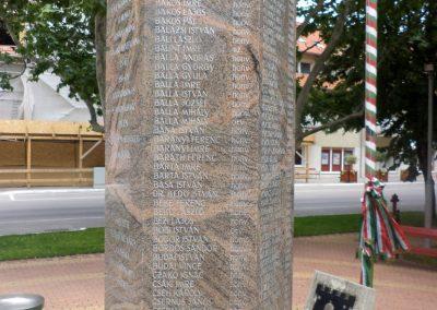 Tiszakécske II. világháborús emlékmű 2015.06.28. küldő-belamiki (6)