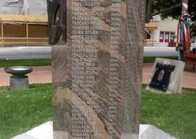 Tiszakécske II. világháborús emlékmű 2015.06.28. küldő-belamiki (7)
