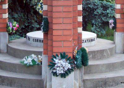 Tiszakürt II.vh emlékmű 2009.05.15.küldő-miki (8)