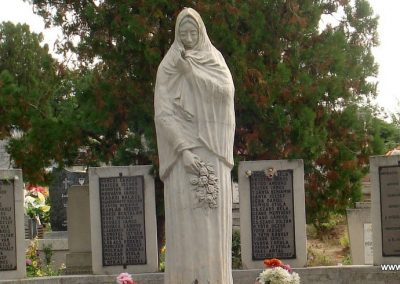 Tiszakarád II. világháborús emlékmű 2013.09.25. küldő-megtorló (1)