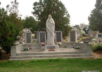 Tiszakarád II. világháborús emlékmű 2013.09.25. küldő-megtorló