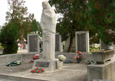 Tiszakarád II. világháborús emlékmű 2013.09.25. küldő-megtorló (5)
