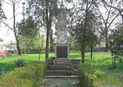 Tiszalök világháborús emlékmű 2009.04.09. küldő-kalyhas (1)