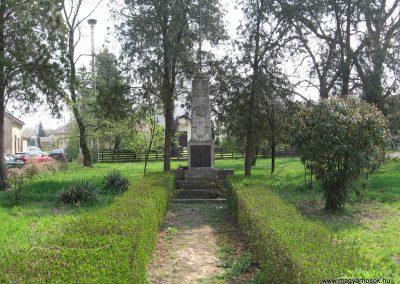 Tiszalök világháborús emlékmű 2009.04.09. küldő-kalyhas