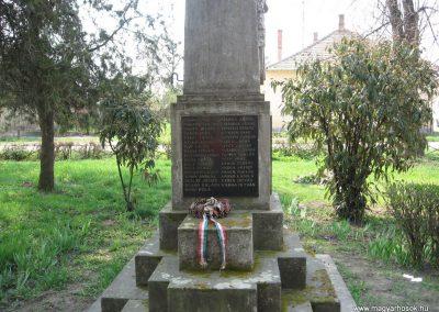Tiszalök világháborús emlékmű 2009.04.09. küldő-kalyhas (5)