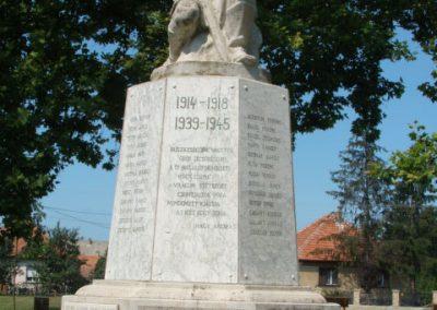 Tiszalúc világháborús emlékmű 2008.08.18.küldő-Bem apó (1)