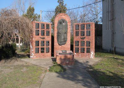 Tiszanána II.vh emlékmű 2008.02.25. küldő-kalyhas